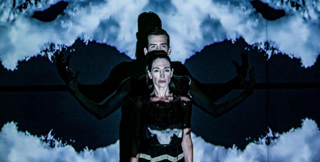 Χορός με τη σκιά μου_Ευρυδίκη Ισαακίδου και Βαγγέλης Μπίκος - Φωτο Α. Σιμόπουλος